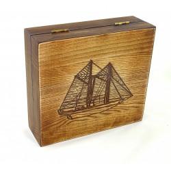 Pudełko drewniane RETRO Żaglowiec III, na pędzel, maszynkę i mydło, bez zawartości
