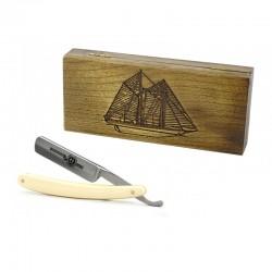 Robert Klaas, brzytwa 5/8 jasny uchwyt, drewniane pudełko RETRO żaglowiec